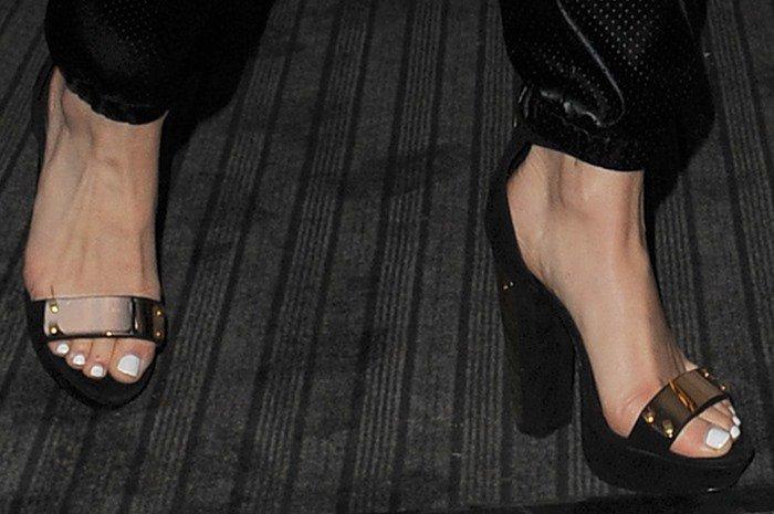 Jessie J Leaves Her Hotel