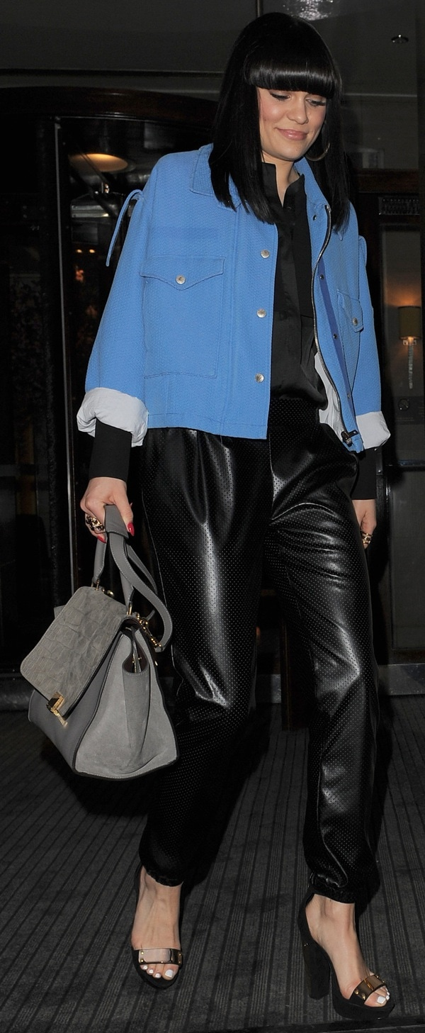 Jessie J Leaves Her Hotel