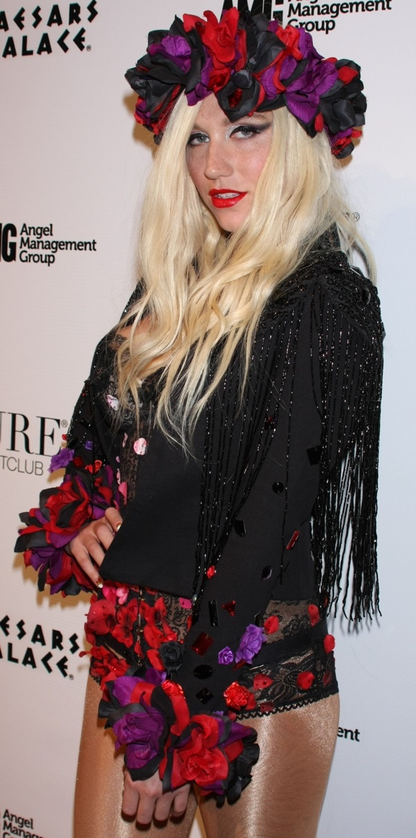 Kesha at Pure