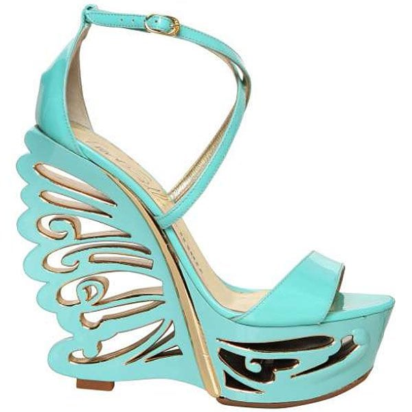 Le Silla butterfly wedges