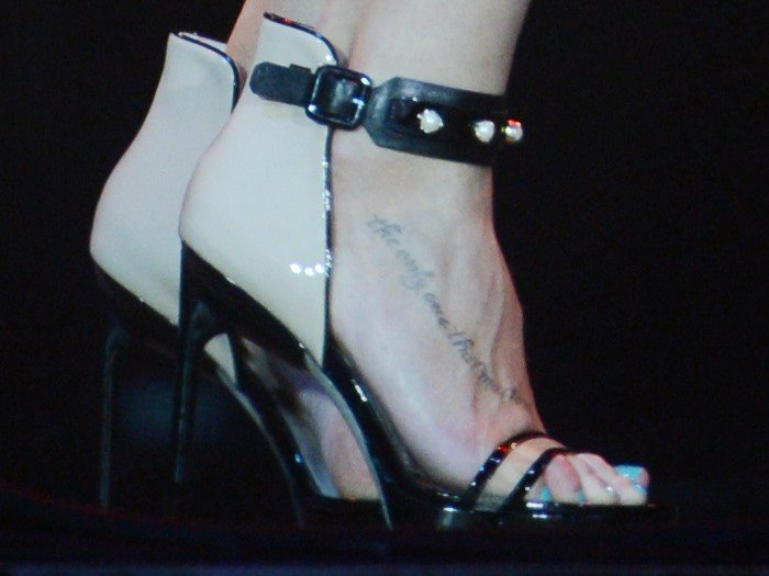 LeAnn Rimes shows off her foot tattoo in a pair of Jason Wu sandals