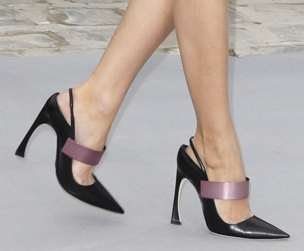 Olivia Palermo shows off her sexy feet in Dior shoes