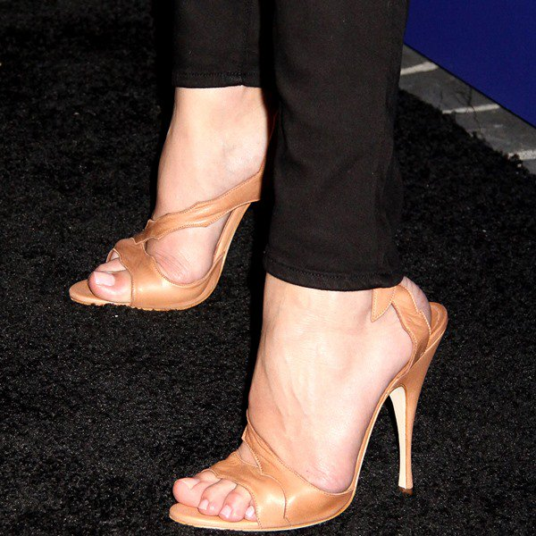 Rosie Huntington-Whiteley in Brian Atwood