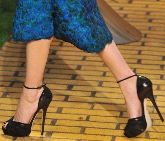 Michelle Williams' hot legs in Jimmy Choo sandals