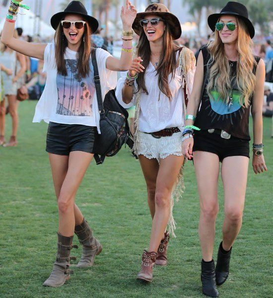 Alessandra Ambrosio has a natural bohemian style, so she looks right at home at Coachella