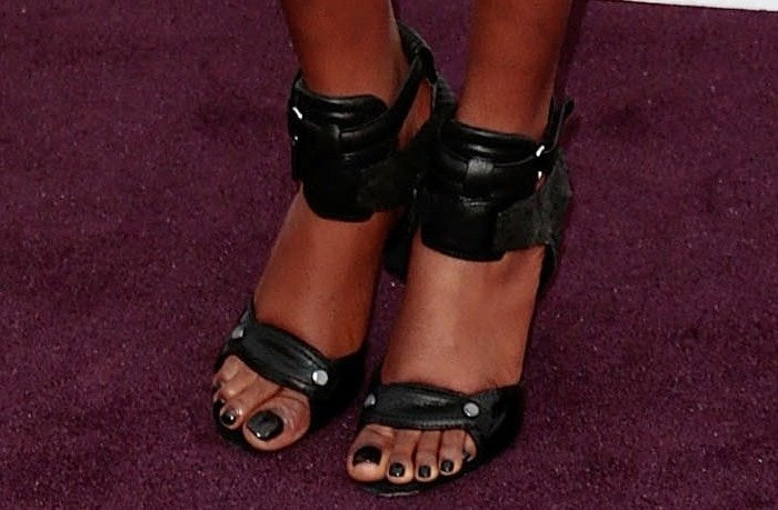 "Azealia Banks showing off her feet in Alexander Wang ""Chloe"" sandals"