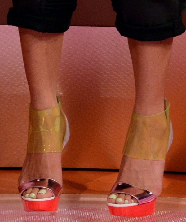 Cassie's sexy toes in Christian Louboutin shoes