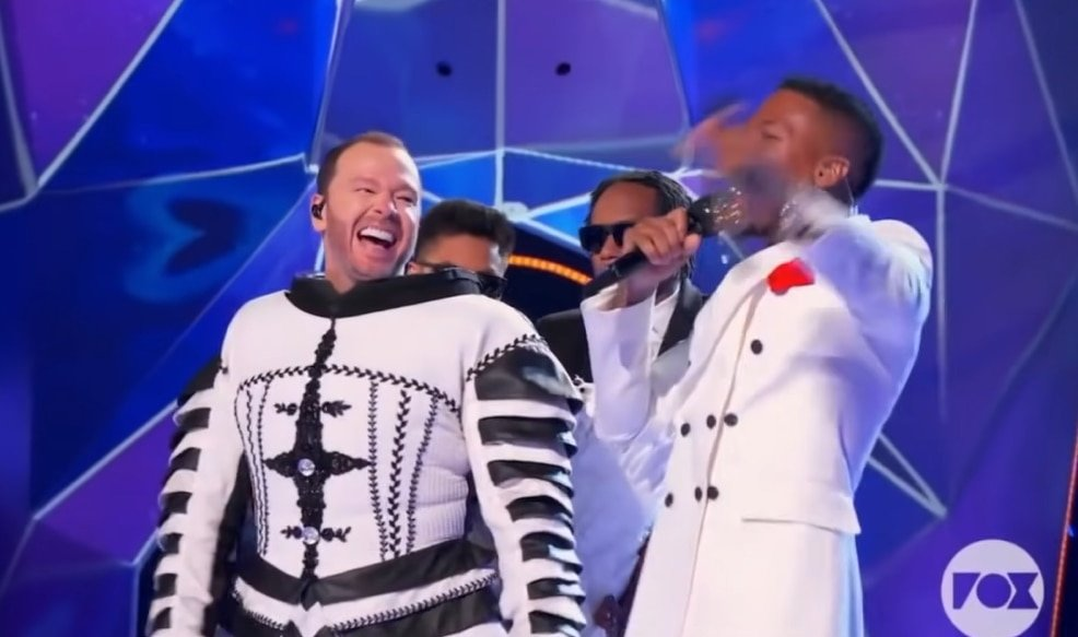 Jenny McCarthy didn't notice her husband Donnie Wahlberg was on Masked Singer before the Cluedle-Doo unmasking