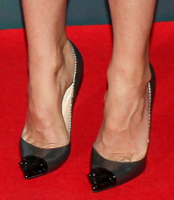 Gwyneth Paltrow with toe cleavage in Christian Louboutin pumps