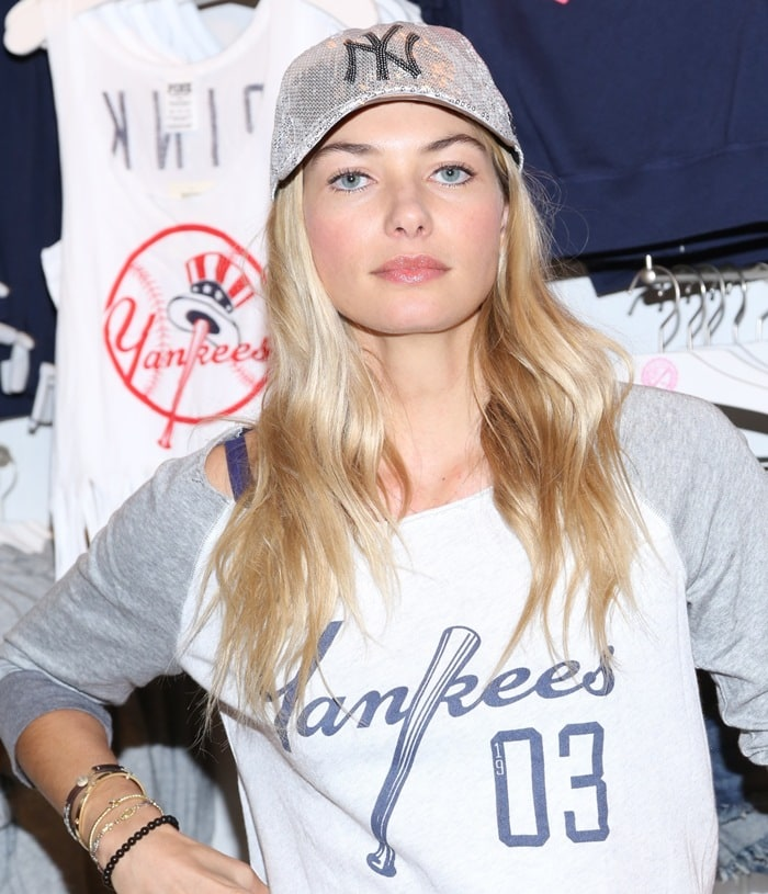 Jessica showed her support for the brand by wearing a Yankees sweatshirt from the collection