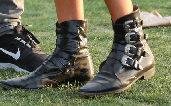 Kate Bosworth wearing flat buckle boots