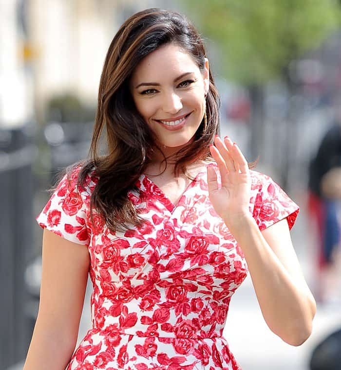 Buxom beauty Kelly Brook was spotted looking quite ravishing yesterday