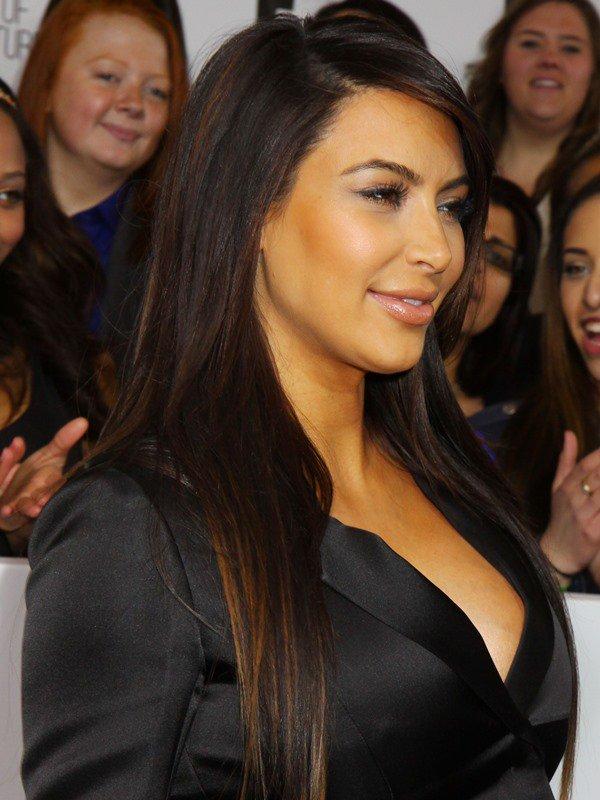 Kim Kardashian reveals sideboob at the E! Upfront Presentation