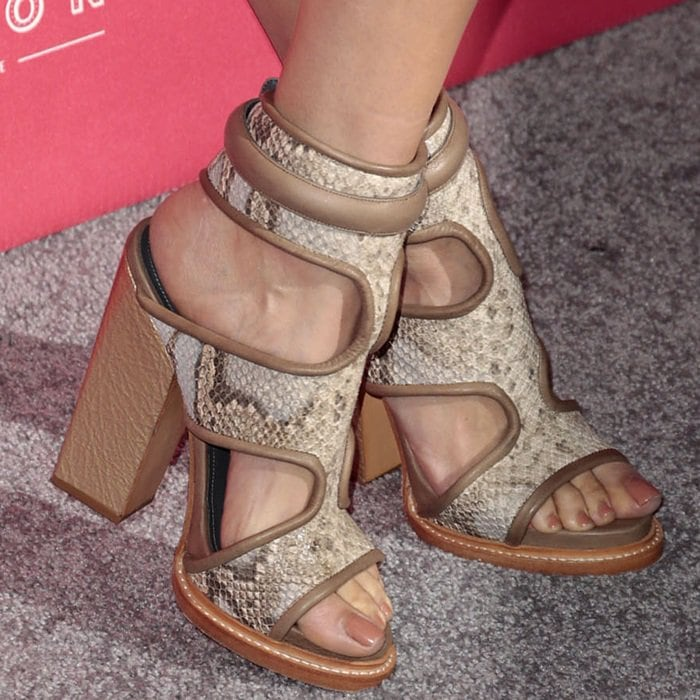 Louise Roe showing off her feet in Monika Chiang sandals