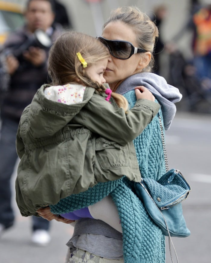 Sarah Jessica Parker taking her twins to school, April 15, 2013