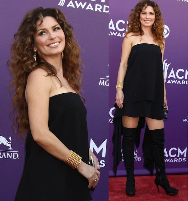 Shania Twain walked confidently in her black strapless dress atthe 2013 Academy of Country Music Awards