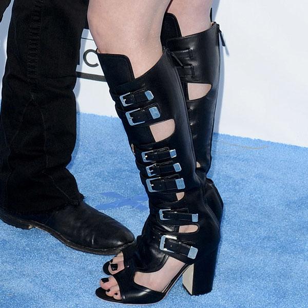 Avril Lavigne shoes 2013 Billboard Music Awards
