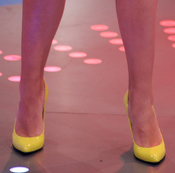Bridget Kelly Today added a pop of color to her ensemble by wearing a pair of bright yellow pumps