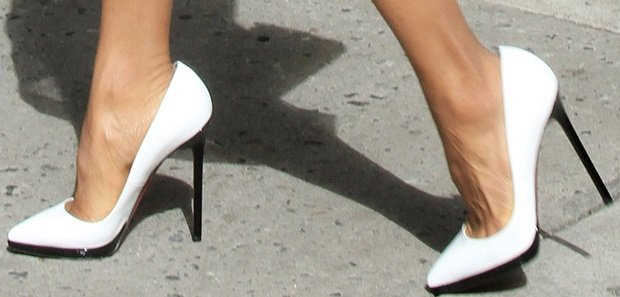 A closer look at Kerry Washington's white Christian Louboutin Pigalle Plato pumps