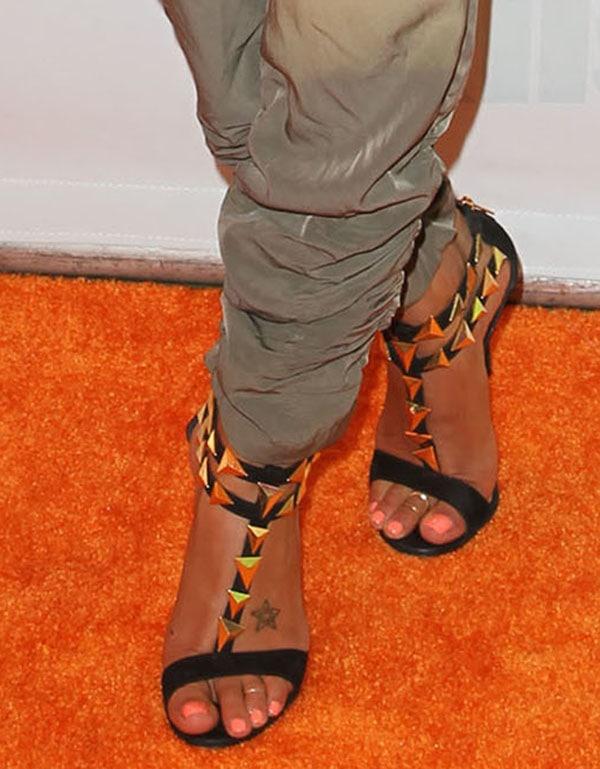 "Golnesa ""GG"" Gharachedaghi shows off her pretty 6.5 (US) size feet in black sandals"
