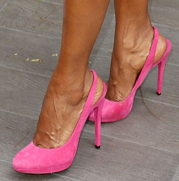 Holly-Robinson-pink-suede-slingback