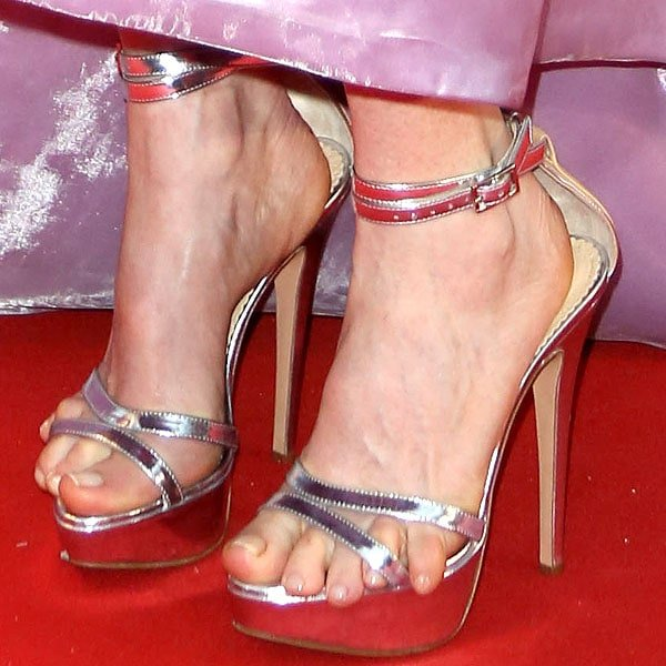 Julianne Moore's tortured toes from the side -- not any better than the view from the front