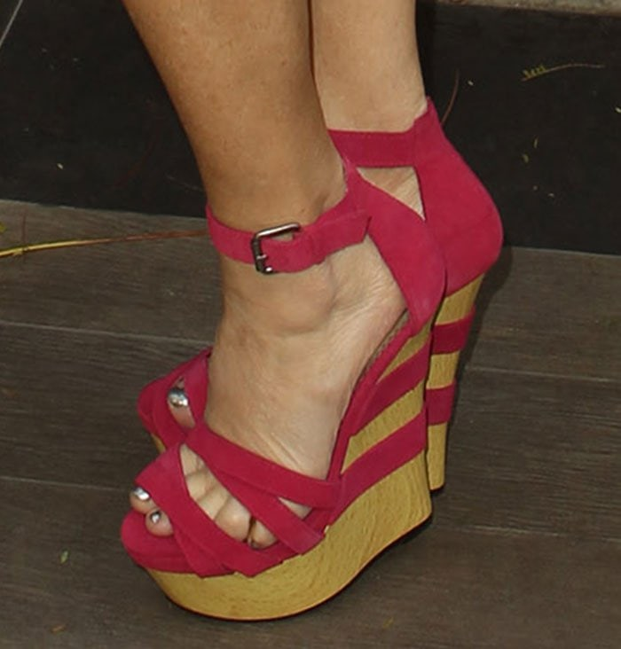 Lisa-Ann-hot-pink-wedge-sandals