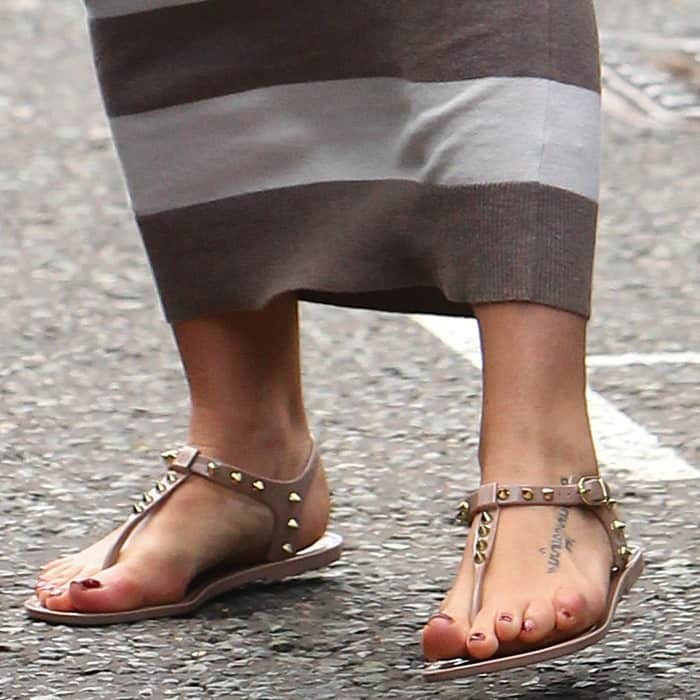 A closer look at Jenna's feet, looking very comfy in these stylish sandals