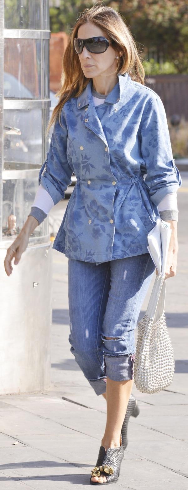 Sarah Jessica Parker takes her children to school in the West Village