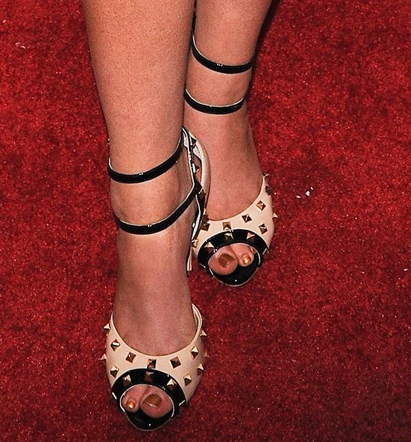 Nylon heels pics