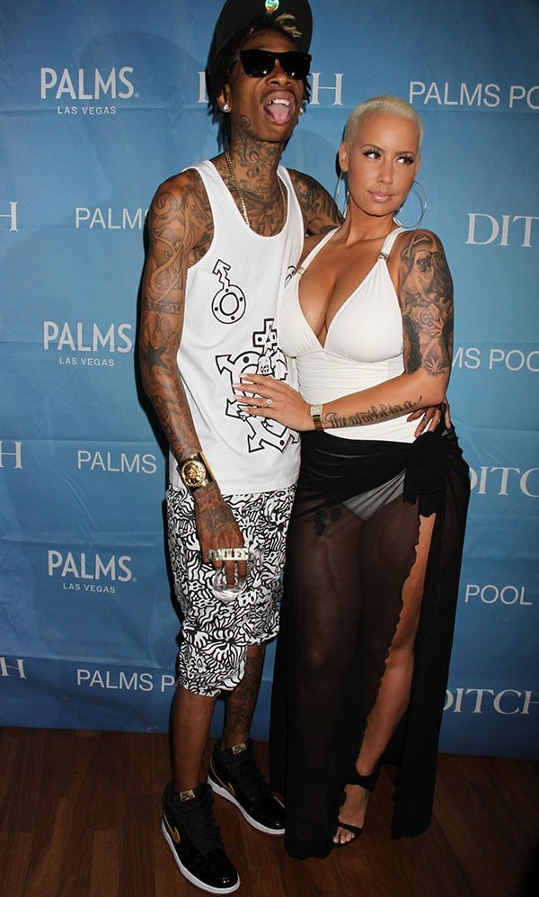 Amber Rose looked amazing in a one-piece swimsuit and high heels