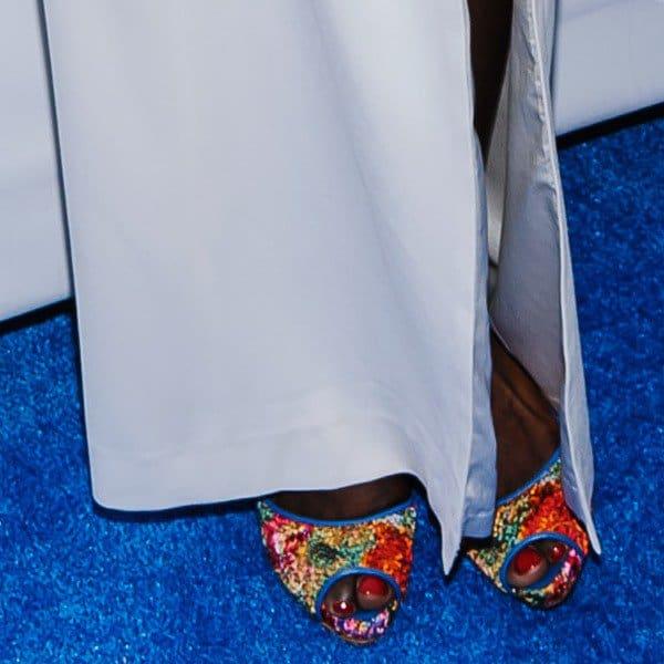 A peek at Estelle's peep toes