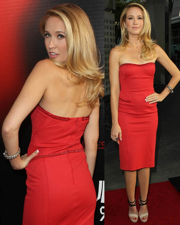 Anna Camp attends the premiere of HBO's True Blood at ArcLight Cinemas Cinerama Dome