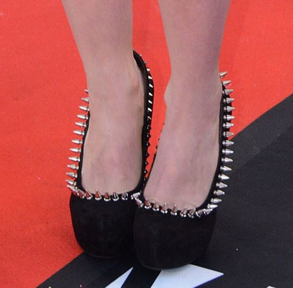 Avril Lavigne's spiked Jeffrey Campbell pumps