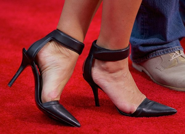 Brooke Shields's beautiful feet in black heels