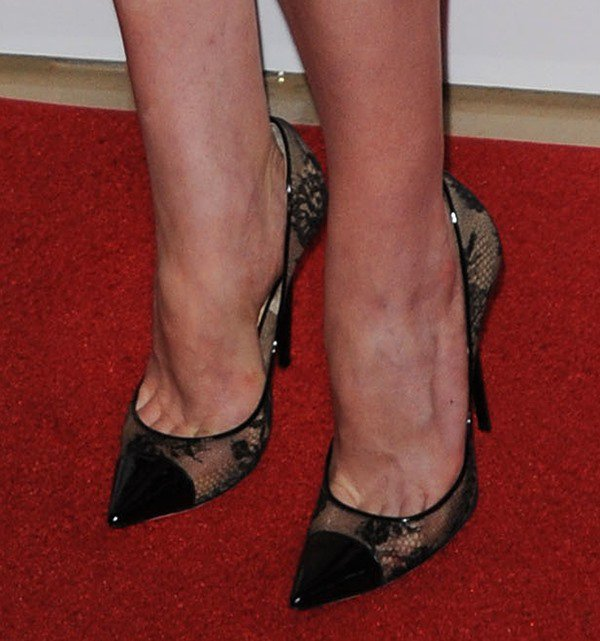 "Elisabeth Moss showing toe cleavage in Jimmy Choo ""Amika"" lace mesh pumps"