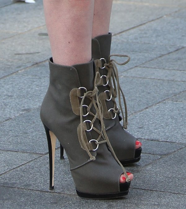 Iggy Azalea'sgray cotton boots featuring contrasting taupe lace-up fastening with silver-tone D-ring eyelets