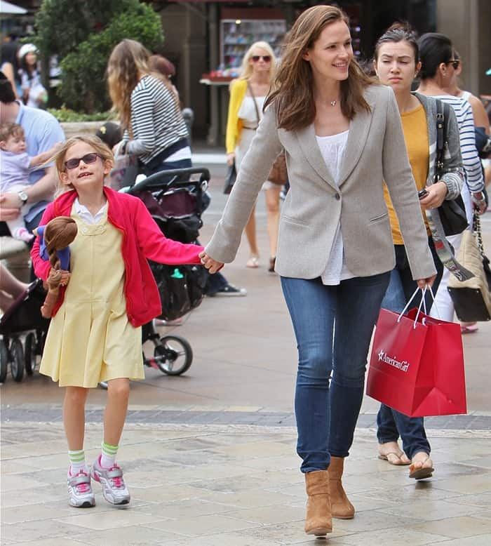 Jennifer Garner and daughter Violet Affleck seen leaving American Girl Place at The Grove and head to La Piazza for some take out at The Grove in Los Angeles on June 4, 2013