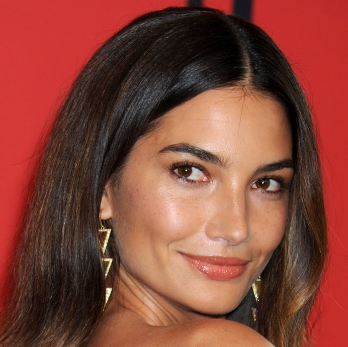 Lily Aldridge looked like she just stepped out of the shower