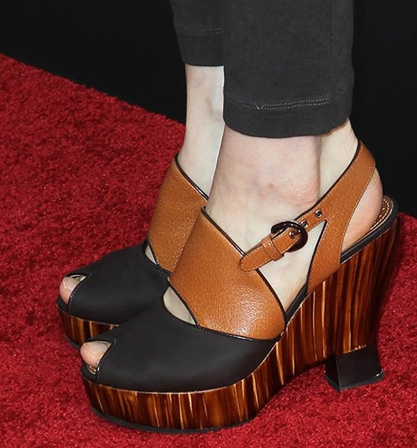 Lucy Griffiths wears a pair of Proenza Schuler wedges on the red carpet