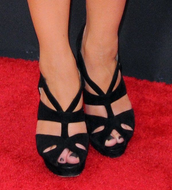 Megan Hilty's sexy toes in caged heels