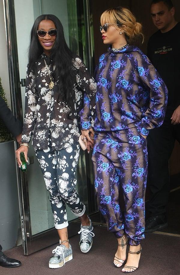 Rihanna leaves her hotel