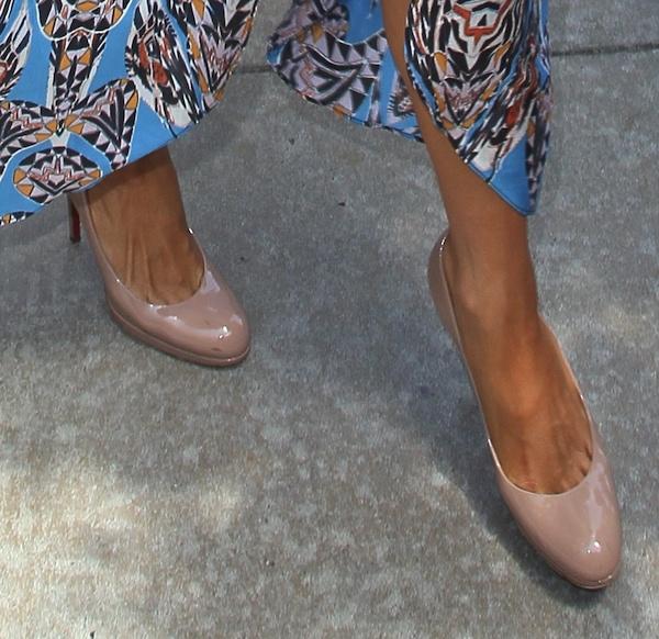 Paris Hilton's nude Christian Louboutin 'New Simple' pumps