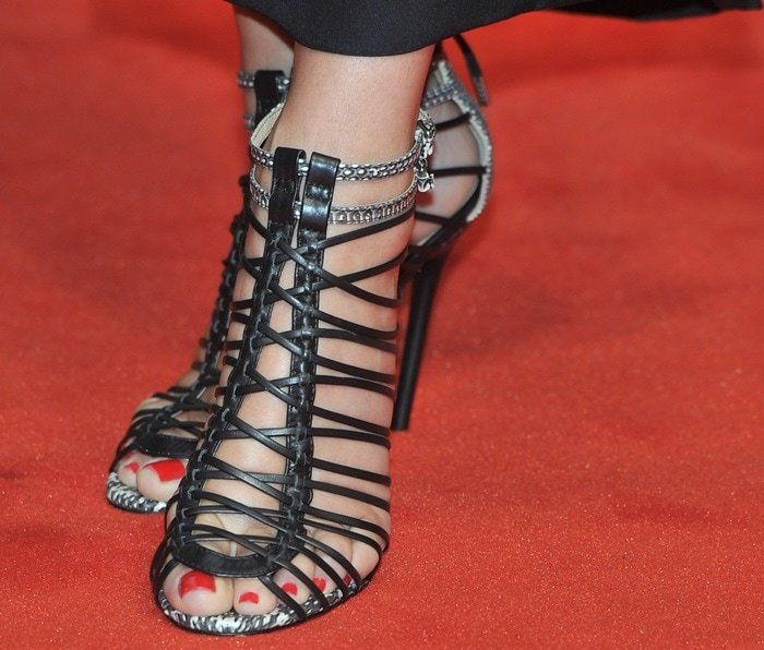 Sandra Bullock in gorgeous strappy sandals from L.A.M.B.