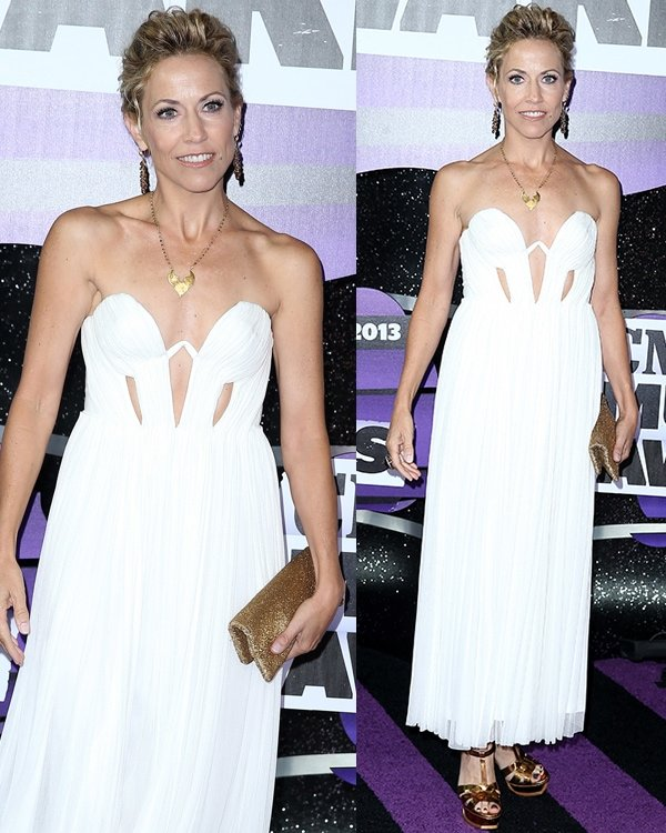 Sheryl Crow in a gold-and-white ensemble at the 2013 CMT Music Awards