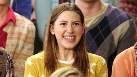 Sue_Heck_Eden_Sher_The_Middle