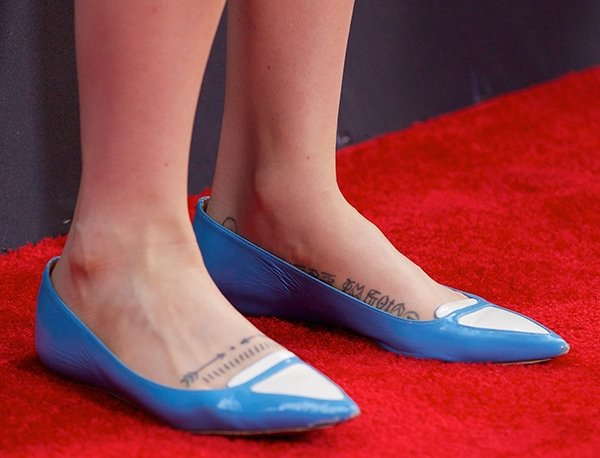 Zosia Mamet's hot feet in glossy blue patent leather flats