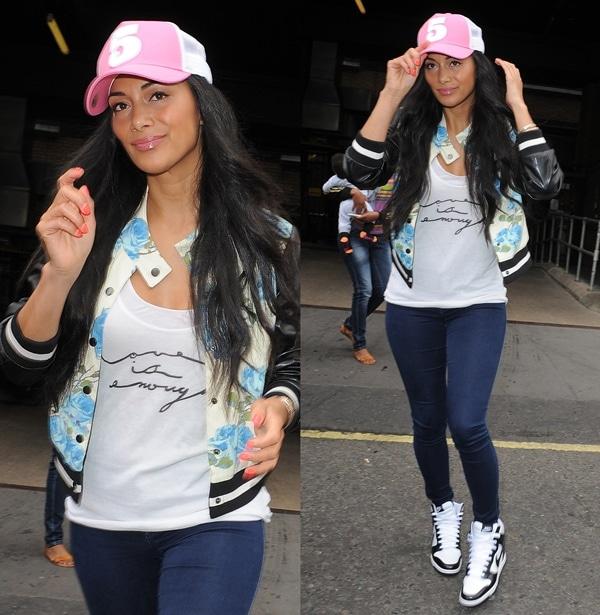 89b1a11f20f Girly Casual Look  Nicole Scherzinger Wears Nike