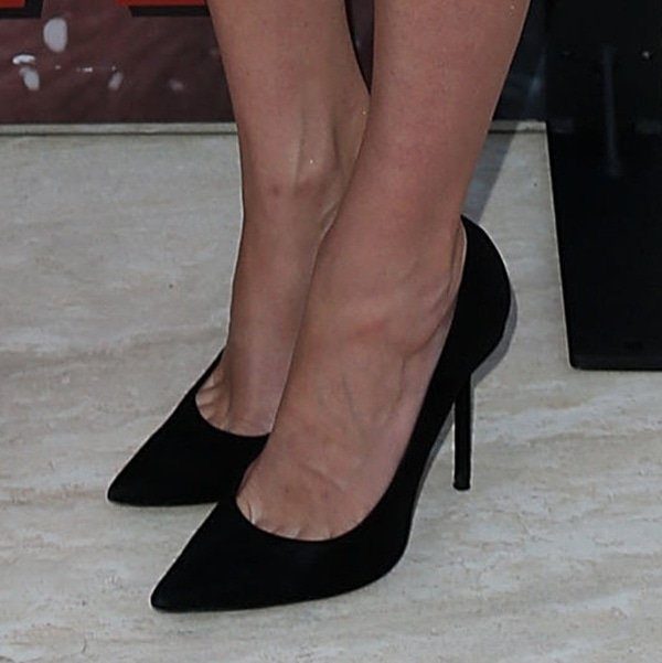 5 Best Celebrity Shoes Amp Hot Feet At Dexter Season 8 Premiere