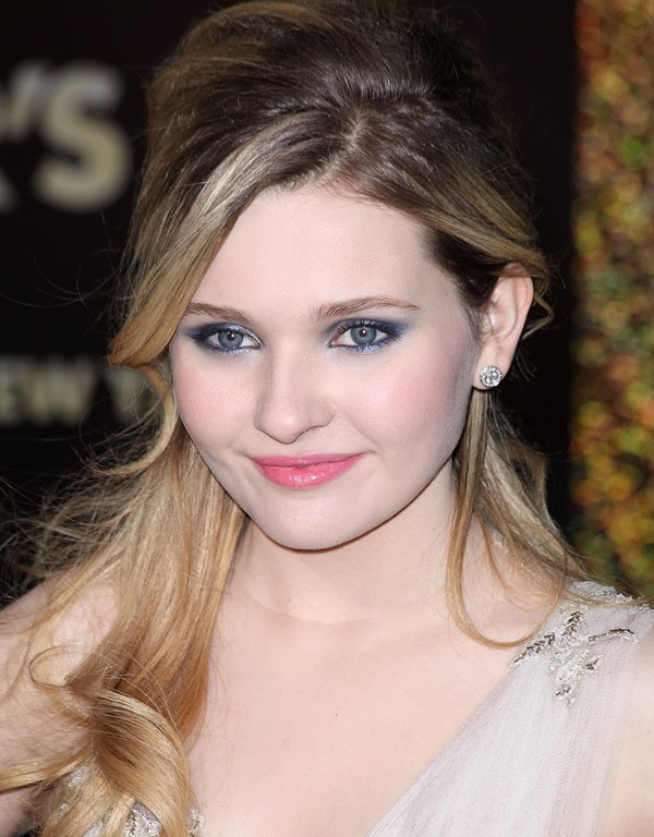 Little Miss Sunshine as a modern-day princess at the premiere of New Year's Eve